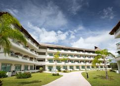 Bluebay Grand Esmeralda - Playa del Carmen - Building