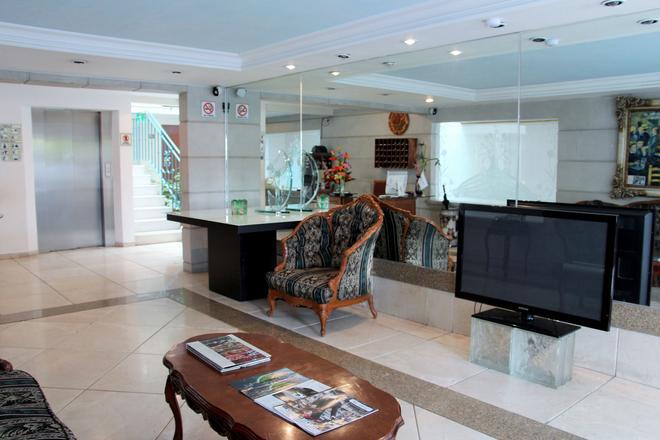 Residence L´heritage Aristóteles 140 By Bluebay - Mexico City - Front desk