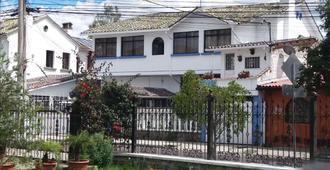 Casa - Pinto Grand House - קיטו - בניין