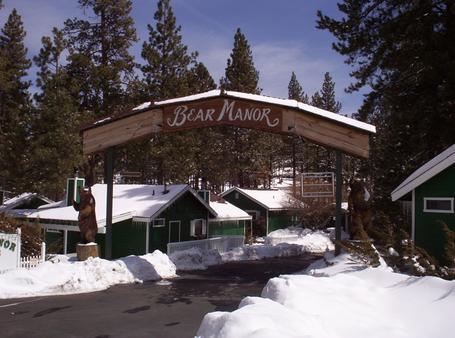 Big Bear Manor Spa Cabins - Big Bear Lake - Building