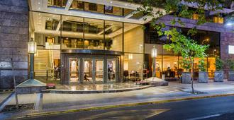 Hotel Plaza El Bosque Ebro - Santiago - Toà nhà