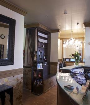 Hôtel Paris Saint-Honoré - Paris - Front desk