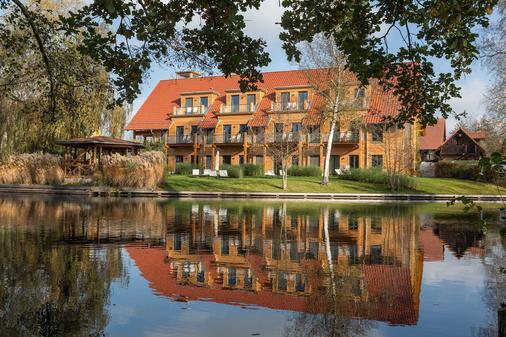 Strandhaus - Boutique Resort & Spa - Lübben - Building