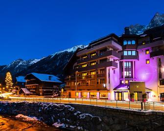Boutique Hotel Le Morgane - Chamonix - Building