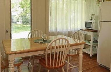 Shoreway Acres Inn & Cape Cod Lodging - Falmouth - Dining room