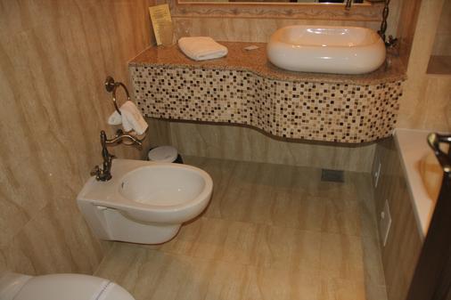 Anette Resort - Timisoara - Bathroom