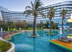Concorde De Luxe Resort - Antalya - Piscina