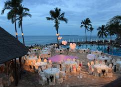 Ledger Plaza Bahari Beach - Dar es Salaam - Piscina