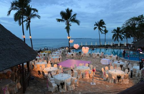 Ledger Plaza Bahari Beach - Dar Es Salaam - Pool