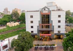 The Westend Hotel - Ahmedabad - Toà nhà