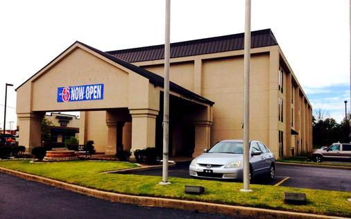 Motel 6 Jacksonville AR - Jacksonville - Building