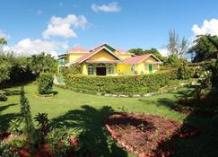 Villa Sonate - Runaway Bay - Bygning