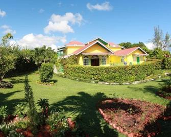 Villa Sonate - Runaway Bay - Gebouw