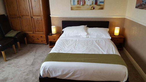 Kimberley Seafront Hotel - Scarborough - Bedroom