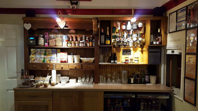 Kimberley Seafront Hotel - Scarborough - Bar