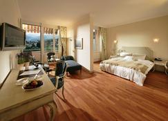 Hotel Eden Spiez - Spiez - Bedroom