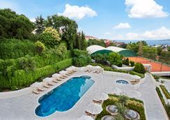 Conrad Istanbul Bosphorus - Istanbul - Pool