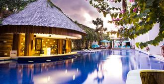 Jimbaran Bay Beach Resort & Spa - קוטה - בריכה