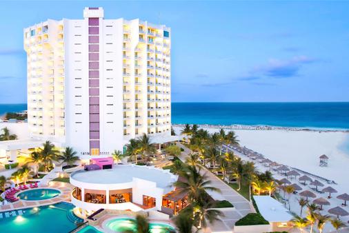 Krystal Grand Punta Cancun - Cancún - Gebäude