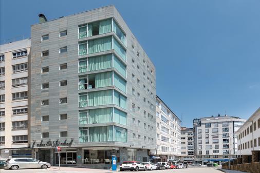 Hotel Exe Puerta de San Pedro - Lugo - Building