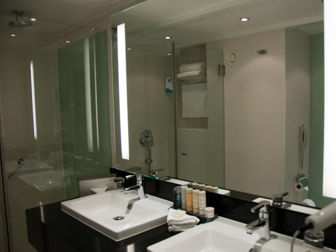 Radisson Blu Hotel, Amsterdam City Center - Amsterdam - Bathroom