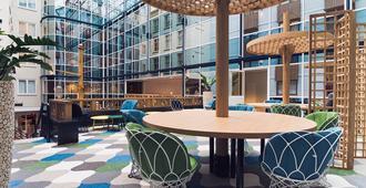 Radisson Blu Hotel, Amsterdam City Center - Ámsterdam - Lobby