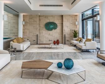 Zaya Nurai Island - Abu Dhabi - Reception