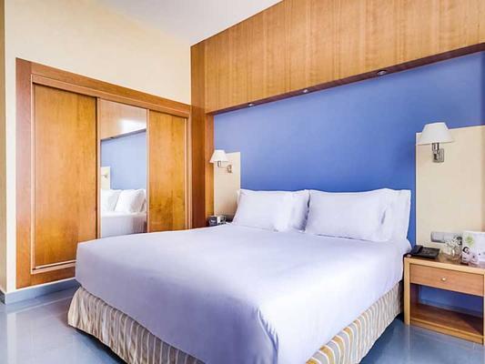 Kalma Sitges Hotel - Sitges - Bedroom