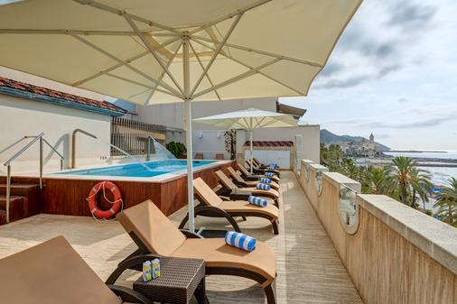 Kalma Sitges Hotel - Sitges - Parveke