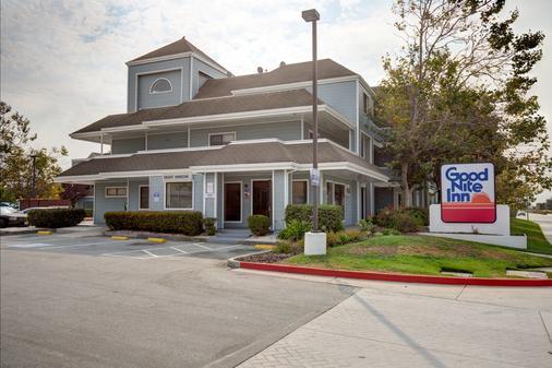 Good Nite Inn Salinas - Salinas - Toà nhà