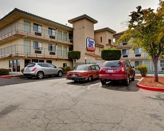 Good Nite Inn Sacramento - Sacramento - Bina