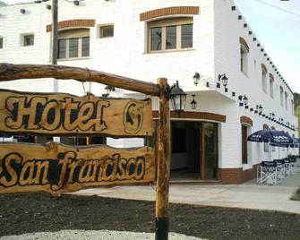 Hotel San Francisco - Miramar (Buenos Aires) - Edificio