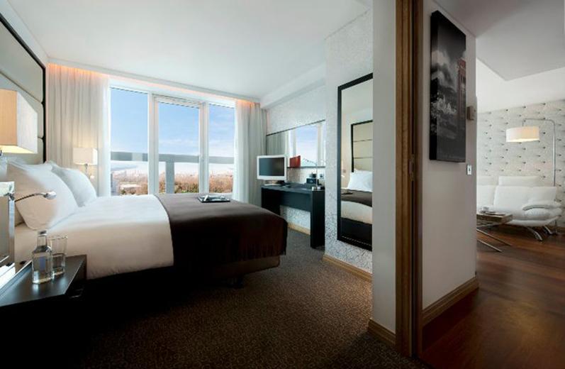 Similar hotels to Pestana Chelsea Bridge Hotel & Spa Hotel