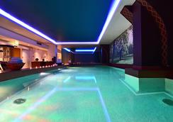 Pestana Chelsea Bridge Hotel & Spa - London - Pool