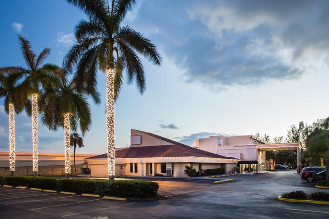 Days Inn by Wyndham Miami International Airport - Miami - Edificio