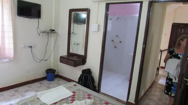 Baga Villa Bnb - Baga - Bathroom