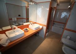 Antica Locanda Del Golf - Ragusa - Bathroom