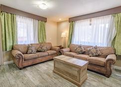 Pioneer Lodge - Springdale - Huiskamer