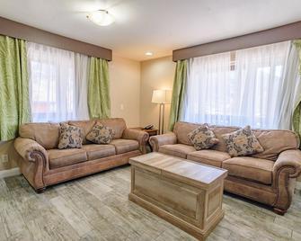 Pioneer Lodge - Springdale - Sala de estar