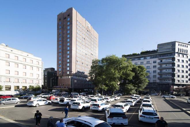 Michelangelo Hotel - Милан - Здание
