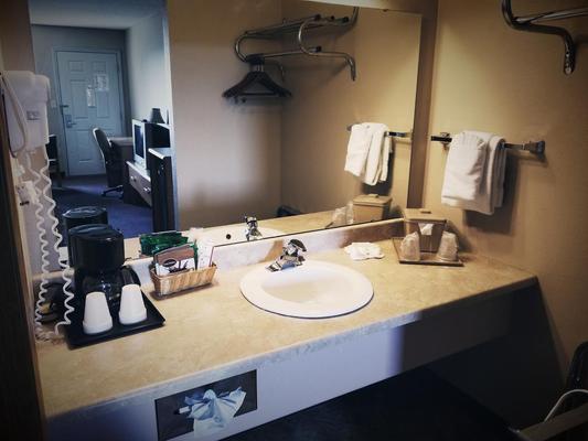 American Eagle Inn & Suites - Branson - Bathroom