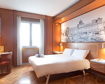 B&b Hotel Modena - Modena - Bedroom