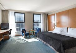 Hotel Exe Plaza - Madrid - Bedroom