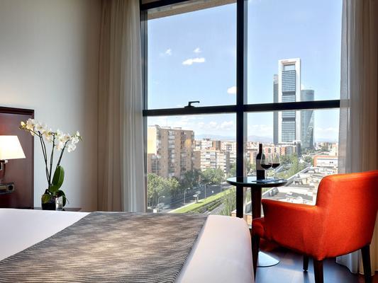 Hotel Vía Castellana - Madrid - Phòng ngủ