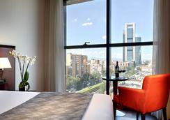 Hotel Via Castellana - Madrid - Bedroom