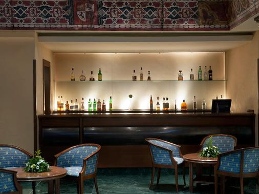 梅里亞拉斯克拉拉斯精品酒店 - 薩拉曼卡 - 薩拉曼卡 - 酒吧