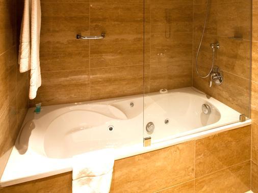 歐洲之星布達佩斯特中心酒店 - 布達佩斯 - 布達佩斯 - 浴室