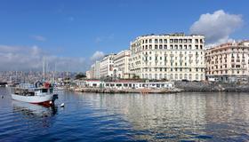 Eurostars Hotel Excelsior - Nápoles - Edifício