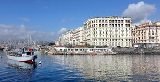Eurostars Hotel Excelsior - נאפולי - בניין