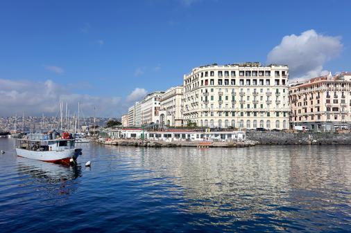 Eurostars Excelsior - Nápoles - Edifício